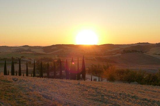 Agriturismo Bonello:                   Vista no fim a tarde de verão
