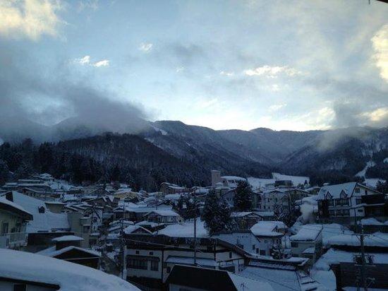 Kawamotoya:                   What a bluebird morning looks like :)
