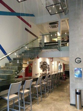 Grid 9 Hotel:                   entrance