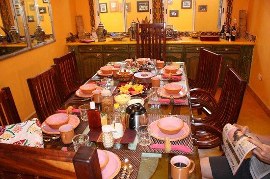 Cascadas de Merida:                   The breakfast table.