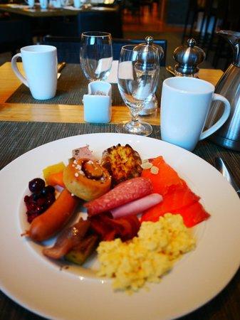 Hilton Helsinki Airport:                   朝食も満足