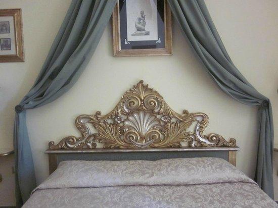 La Casa del Garbo: Bed