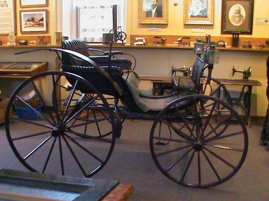 Lakes District Museum & Art Gallery:                   early carriage
