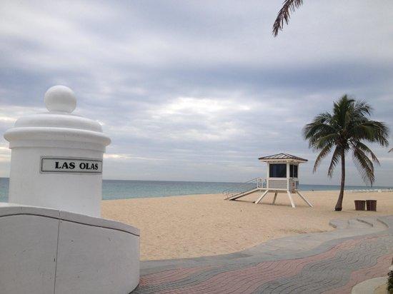 Las Olas Beach:                   Morning view of cloudy Las Olas