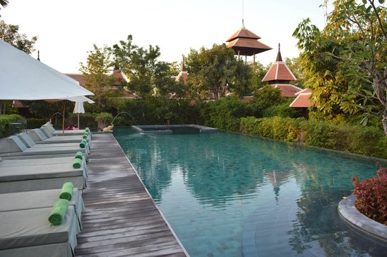 Siripanna Villa Resort and Spa Chiang Mai:                   Poolside
