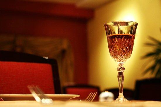 Kong's City: Crystal Wine Glass