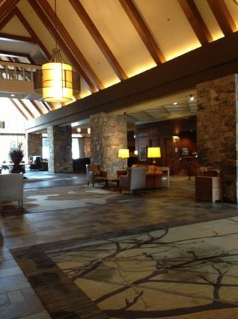 Fairmont Chateau Whistler Resort: lobby,