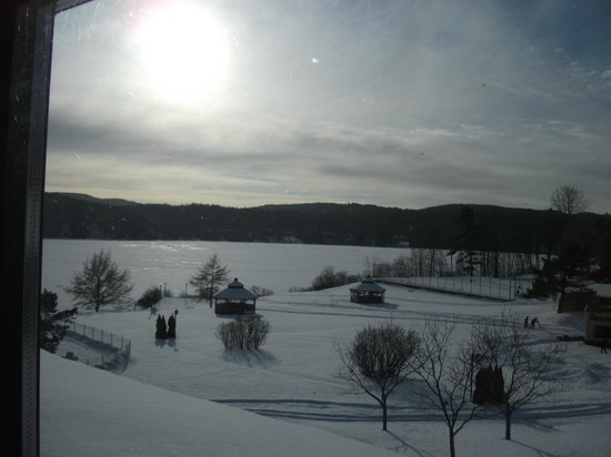 Le Manoir du Lac Delage :                                     vue de la chambre, le Lac Delage