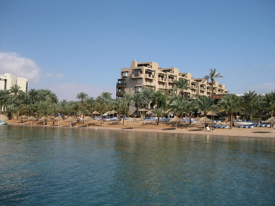Movenpick Resort & Residences Aqaba: Private beach area