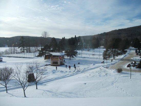 Le Manoir du Lac Delage :                                     vue du 3e étage (chambre lucarne) 25 décembre 2012