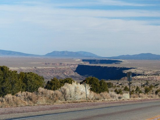 Rio Grande Gorge: The gorge as see from route 68 heading towards Taos