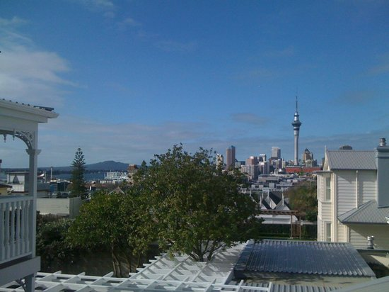 Red Monkey Ponsonby Manor:                   Day view of downtown Auckland from first floor, Ponsonby Manor