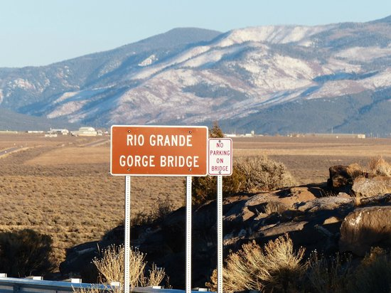 Rio Grande Gorge: The best place from which to look into the gorge
