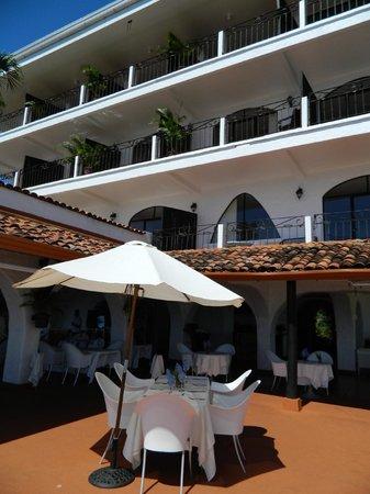لا ماريبوسا هوتل:                   hotel-main building                 
