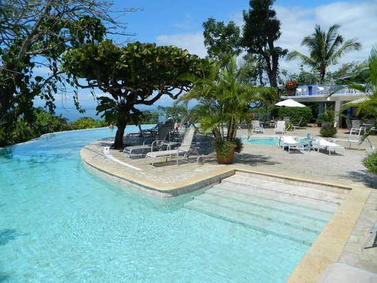 لا ماريبوسا هوتل:                   pool                 