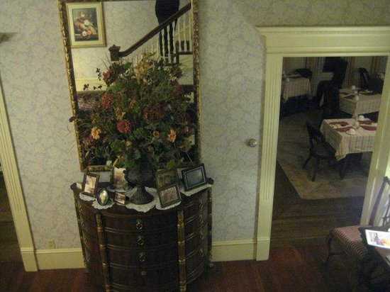 Berry Manor Inn :                                     Thru to the dining room