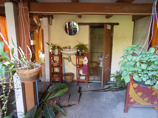 Sabai Garden:                   Туалет и душевая
