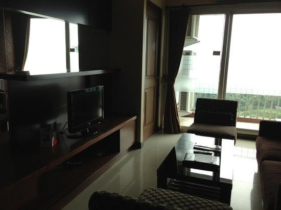 Galeri Ciumbuleuit Hotel & Apartment:                   Our Grand Suite Living Room