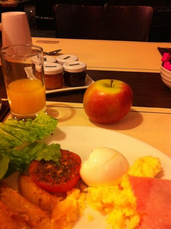 Hotel Concorde Montparnasse: Breakfast