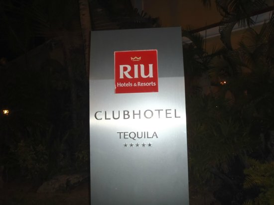 ‪‪Hotel Riu Tequila‬:                                     the sign