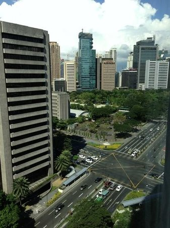 Makati Shangri-La Manila: View from the room