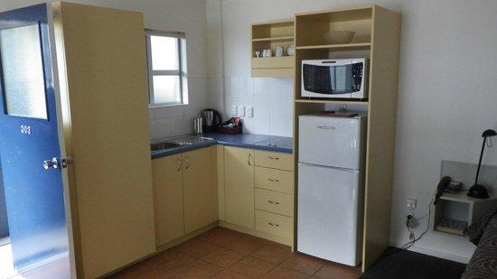 Blue Peaks Lodge: Kitchen
