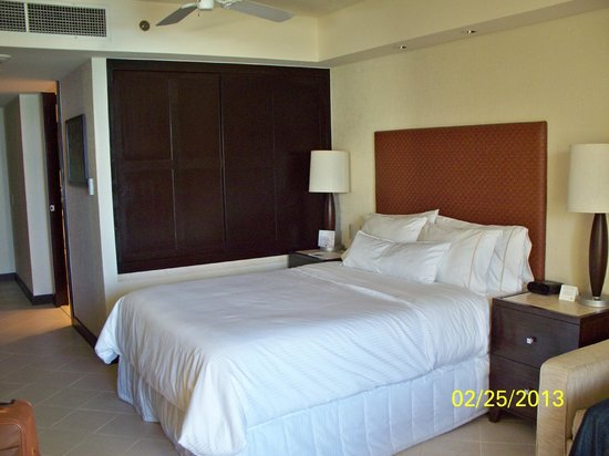 The Westin Lagunamar Ocean Resort Villas & Spa: Sooo comfy bed
