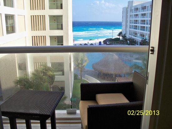 The Westin Lagunamar Ocean Resort: View from our 4th Floor Room in Building 10