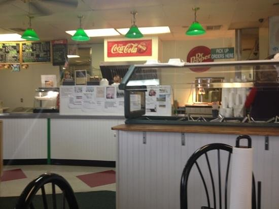 Little Mike's Hamburgers: order counter, fixins' bar