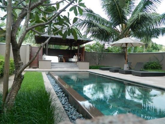 Constance Ephelia:                   bungalow