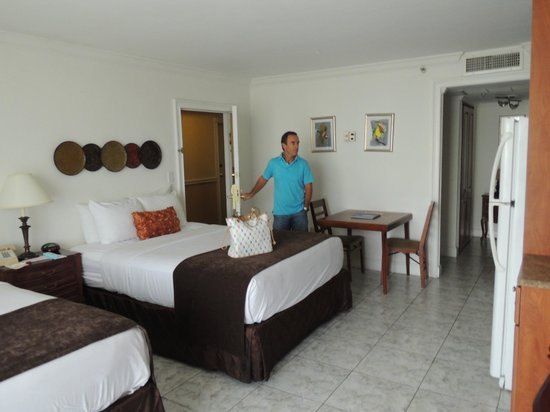 Ramada Plaza Marco Polo Beach Resort: room 531