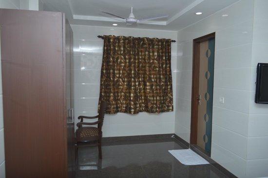 Hotel Preet Palace: ROOM