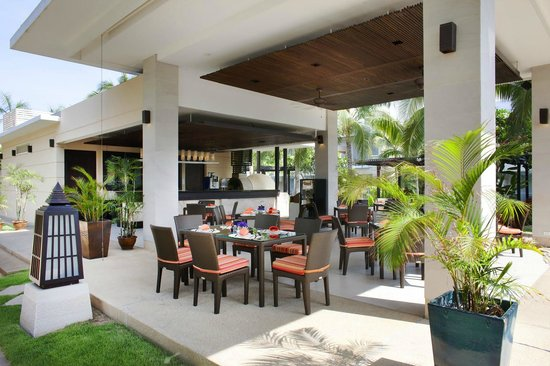 Salas Pool Restaurant: Salas Restaurant