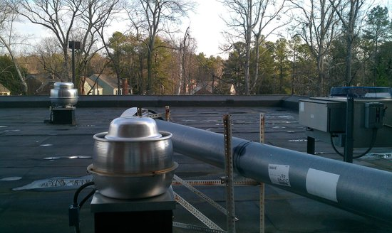 Holiday Inn Hotel & Suites, Williamsburg-Historic Gateway:                   Roof ducts