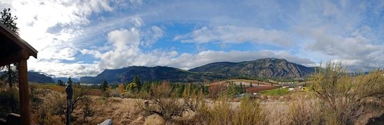 Panoramic view from Bighorn Ridge Guest House, photo by Emma Kesler