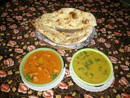 Royal Tandoor:                   Garlic Naan, Butter Chicken, and Dal
