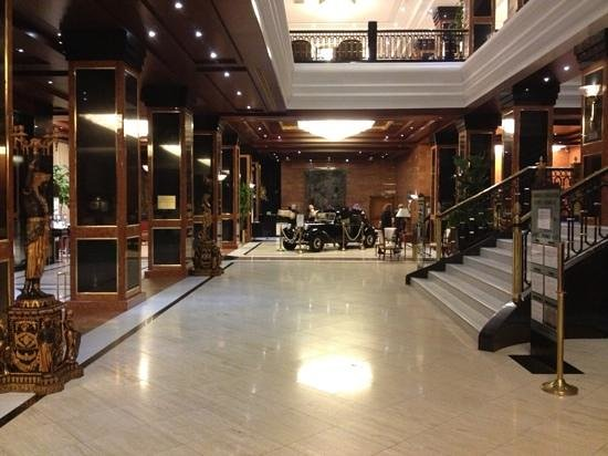 Meliá Milano: Melia Milano lobby