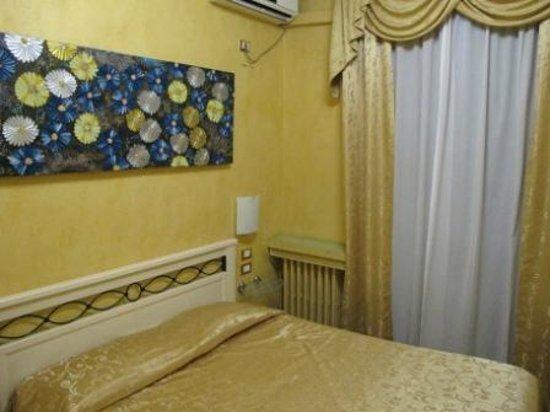 Hotel Antico Distretto :                   Double room