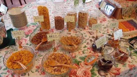 Hakuba Resort Hotel La Neige Higashikan: Breakfast cereals