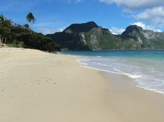 Secret Lagoon Beach :                   big beach in el nido