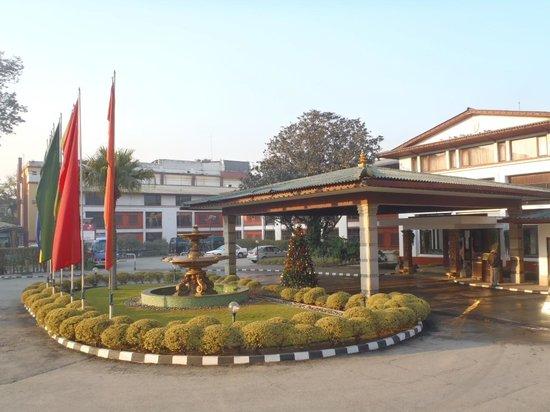 Hotel Annapurna:                   ホテルの玄関