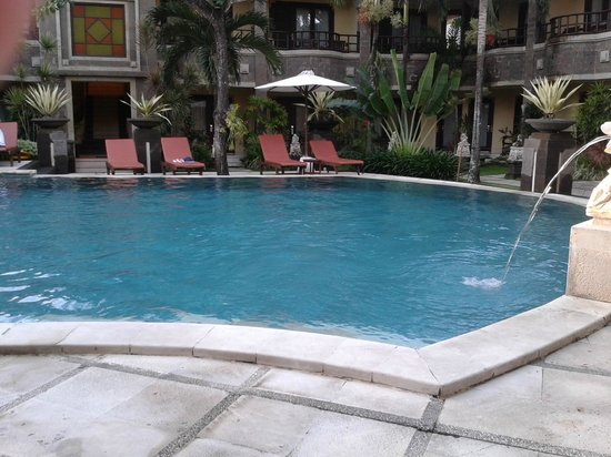 Adhi Jaya Hotel:                   The AJ pool