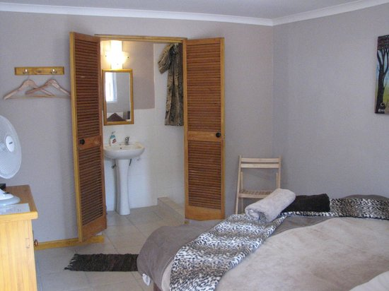 Jembjos Knysna Lodge & Backpackers: Double en-suite