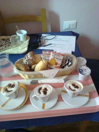 Ridolfi Guest House:                   COLAZIONE DA RIDOLFI