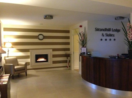 Strandhill Lodge and Suites Hotel: New Foyer