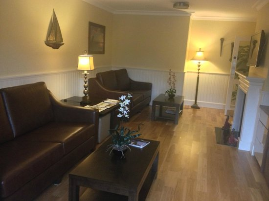 Strandhill Lodge and Suites Hotel: Residents Lounge
