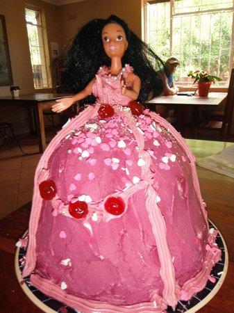 The Coffee Buzz: Barbie Birthday Cake