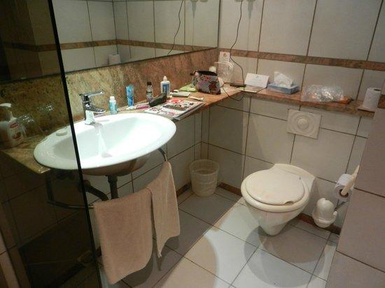 Baobab Beach Resort & Spa: Bathroom