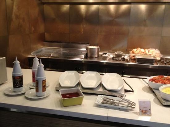 Kenzi Club Agdal Medina:                   cocina abre 06:00h pero a las 07:15 nadie prepara el desayuno