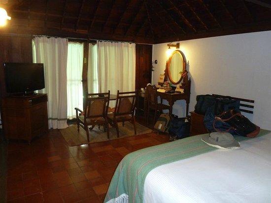Kumarakom Lake Resort: Pool Villa bedroom